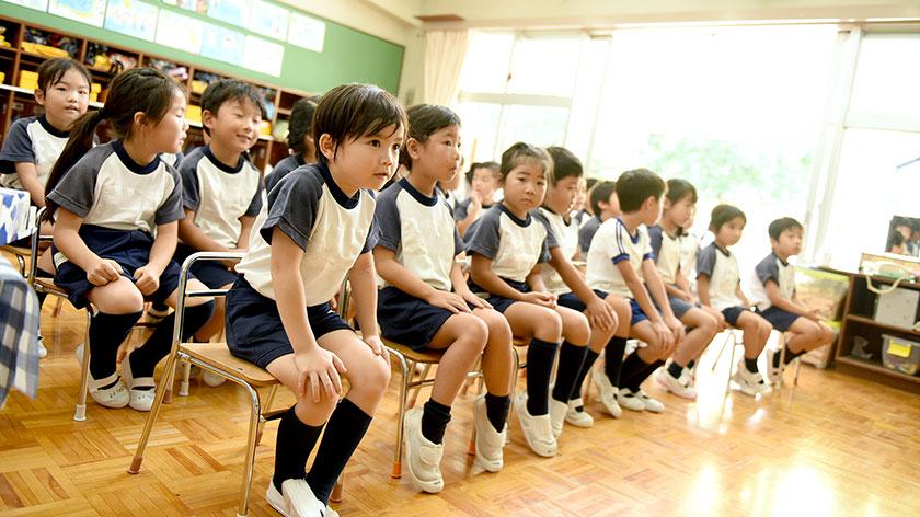 初めての社会生活の一歩となる幼稚園。 幼児期の基礎・基本が身につきます。